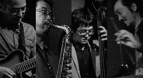 スタンダードジャズやモダンジャズの名曲を演奏します。 酒井仁(ギター)、増田裕一(アルトサックス)、小林航太郎(ベース)、宮岡慶太(ドラム) […]