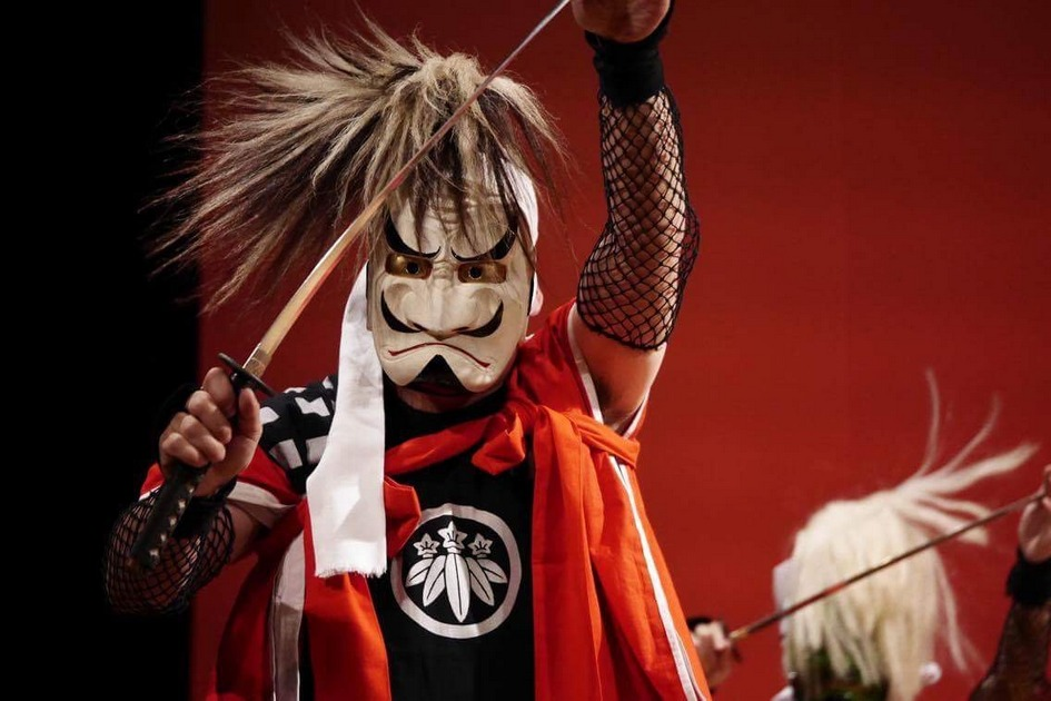 日本の各地に伝わる民俗芸能を学ぶ会「森の踊り衆」。てらつどでは鬼の面をつけ、刀を腰に差し、反閇(へんばい)と呼ばれる足の運びで土地を清め、五穀豊穣を願う念仏踊り「鬼剣舞(おにけんばい)-岩手県-」を踊らせていただきます。 […]