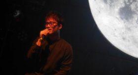 東京出身。20歳から本格的に歌手を目指し、月に1~2回ほど都内のライブハウスにてLIVE活動をしている。テレビ東京「THEカラオケ★バトル」2016年深夜枠・2017年本選出場。 […]
