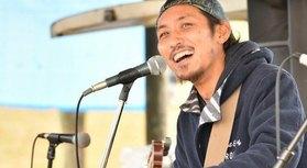 日本中を旅するサーファーミュージシャン。レゲエ、ブルース、パンクロックなどレベルミュージックに心を打たれバックパック、ギター、サーフボードを持って日本中放浪中。出会った仲間たちとのバンドスタイルでのライブや、キリンガーの […]